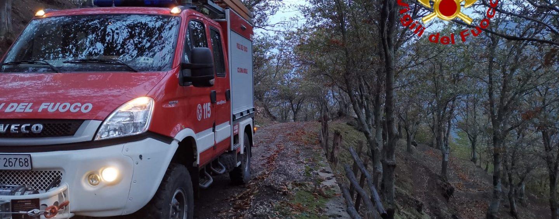 Moschiano, perdono la strada di casa e restano impantanati con auto in montagna: salvati dai vigili del fuoco