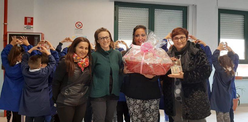 Palline rosa e letterine dalla scuola di Alvanella per i bimbi del Pausilipon