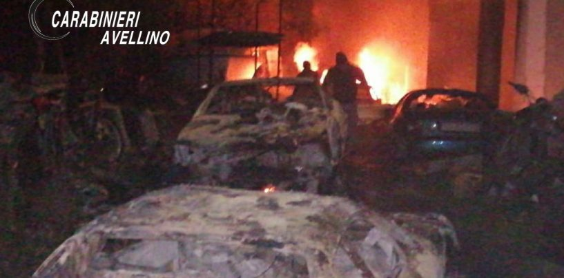 Domicella, a fuoco un'autodemolizione: arrivano Carabinieri e Vigili del Fuoco