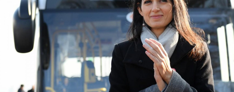 """Da Roma un ordine di 320 nuovi autobus. Raggi: """"Andrò in Irpinia a salutare gli operai di IIA"""""""
