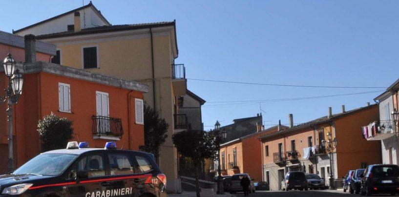 Svuotano il conto in banca di una malcapitata con una carta d'identità falsa: beccati dai Carabinieri