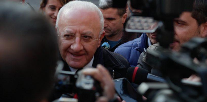 """""""Se mi propongono di fare il Governatore della Banca d'Italia, accetto"""". De Luca dribbla le domande politiche…"""