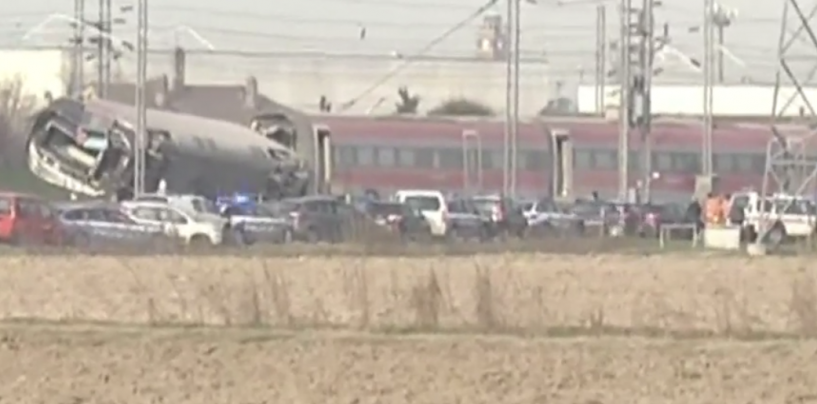 Deraglia un Frecciarossa: ci sono vittime. Traffico ferroviario in tilt