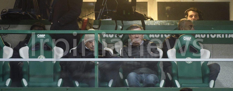 Avellino, la Curva chiede rispetto e Lombardi si accomoda in tribuna