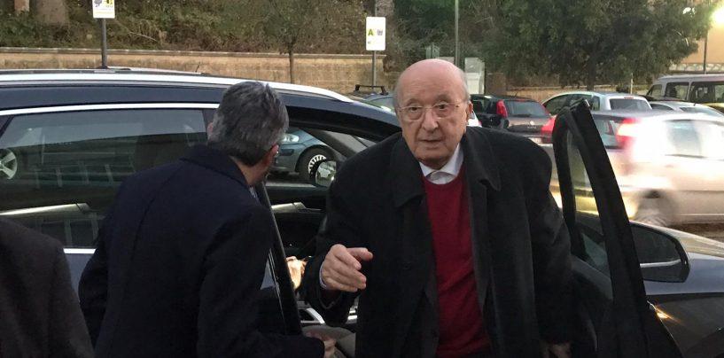 """""""Nusco, un paese alla paralisi"""". Opposizione contro il sindaco Ciriaco De Mita"""