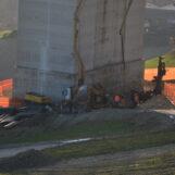 """Non solo il Morandi, Acqualonga o le barriere """"incollate col Vinavil"""": è tutta la rete autostradale a degradarsi sempre più"""