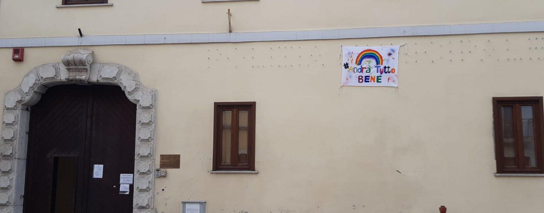 """""""Andrà tutto bene"""": il messaggio di speranza dei vigili urbani di Avellino"""