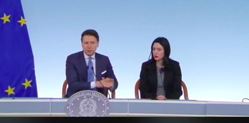 """Ordinanza maturità, la ministra: """"Confermato esame in presenza senza scritti e con commissari interni"""""""
