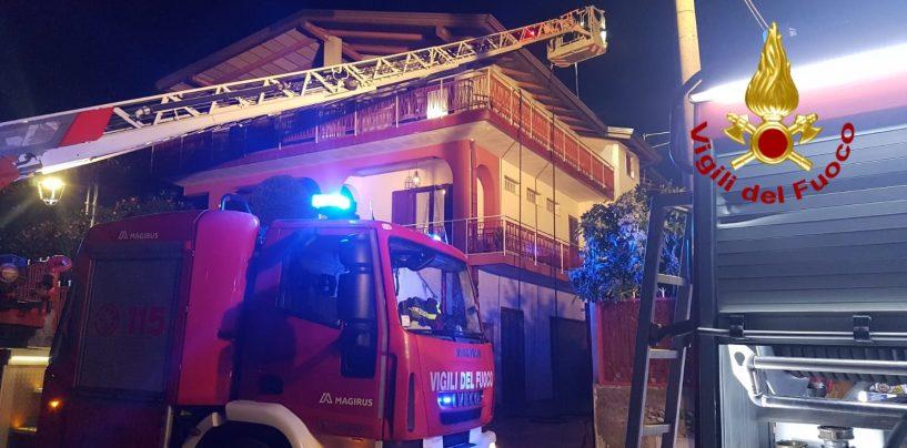 A fuoco la canna fumaria: paura in un'abitazione di Montoro