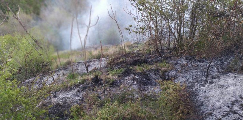 Incendio a Montoro, la squadra del genio civile sul posto