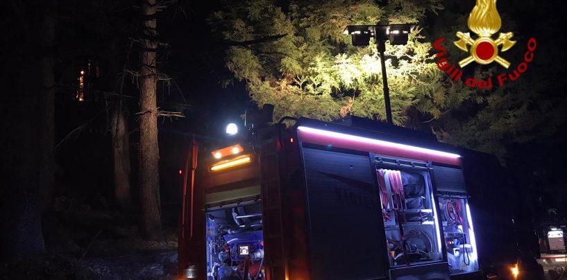 Incendio nel bosco di Serino, i Vigili del Fuoco in prima linea