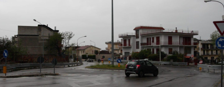 Tappa a Baiano di Sommese: anche un trombettista davanti la clinica per il minuto di silenzio