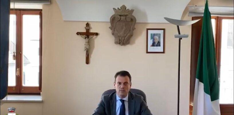 """Pacchi alimentari, il sindaco Minichiello dopo l'esposto della minoranza: """"Comune estraneo"""""""