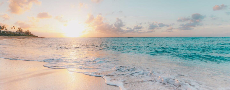 Coppia irpina derubata in spiaggia