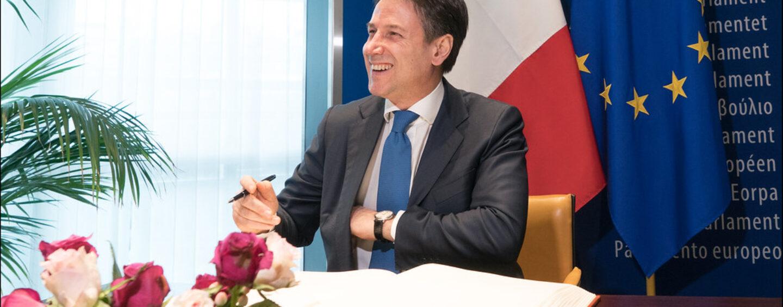 """La crisi di Governo – Conte si dimette, il Presidente Mattarella avvierà le consultazioni per affidare un terzo mandato al Premier. Caccia ai nuovi """"responsabili"""", senza escludere una maggioranza Ursula"""