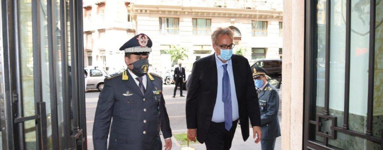Napoli, il prefetto Valentini in visita al Comando Provinciale della Guardia di Finanza