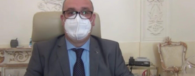 VIDEO/Monteforte, il Sindaco rinuncia a tre mesi di stipendio per aiutare le famiglie in difficoltà economica
