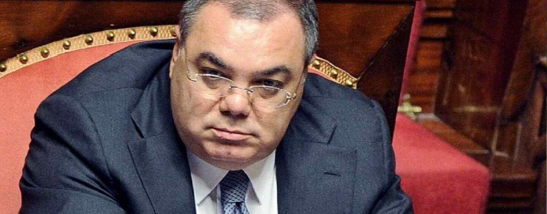 Operazione anti estorsione e riciclaggio: in manette l'ex senatore De Gregorio