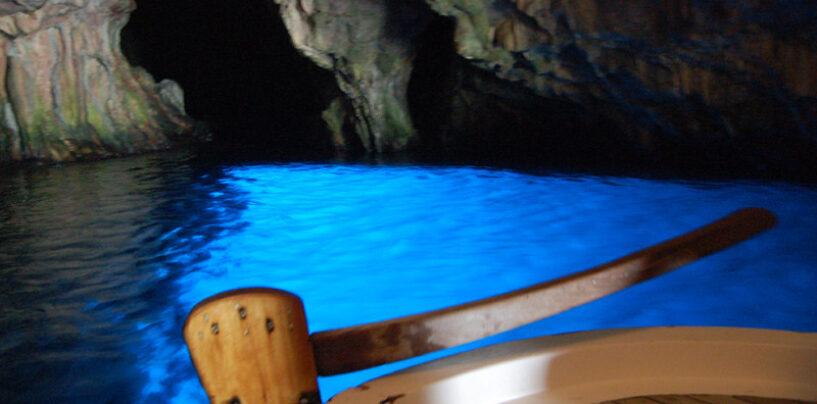 Capri, abusivismo sopra la grotta azzurra: stop ai terrazzamenti