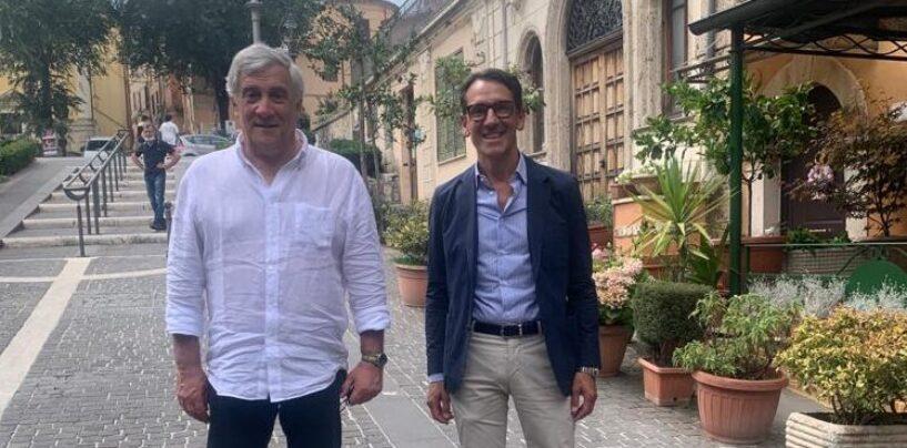 """Regionali, Tajani incontra i candidati di Forza Italia. A """"sorpresa"""" la telefonata di Berlusconi"""
