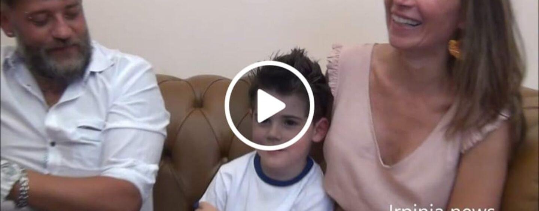 VIDEO/Il piccolo Ascanio torna a Mercogliano dopo le 2 operazioni al cuore e diventa sindaco per un giorno