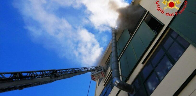 Solofra. Incendio in una conceria,intervento provvidenziale dei Caschi Rossi
