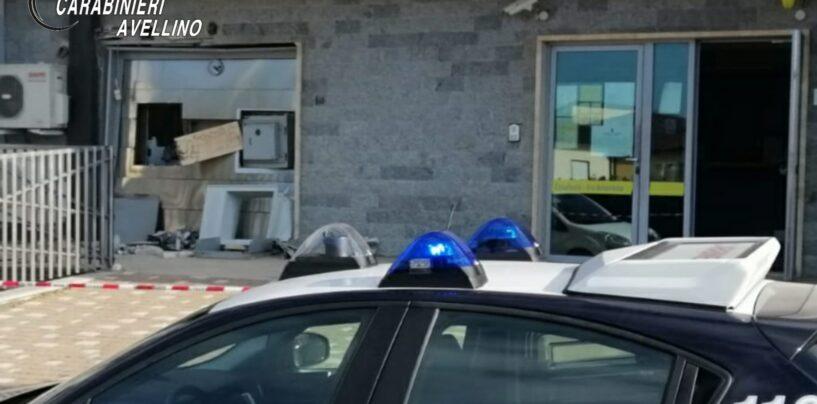 Casalbore, furto col botto al bancomat: malviventi via col bottino