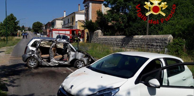 FOTO / Guardia Lombardi, la donna morta nell'incidente aveva 36 anni. Ci sono anche due feriti