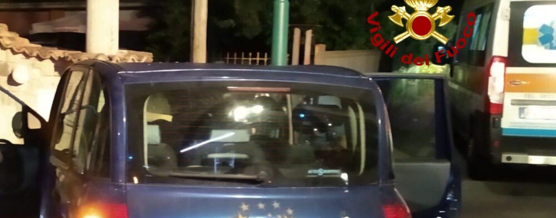 Cesinali, 56enne sbanda con l'auto e finisce contro un muro: ricoverato in ospedale