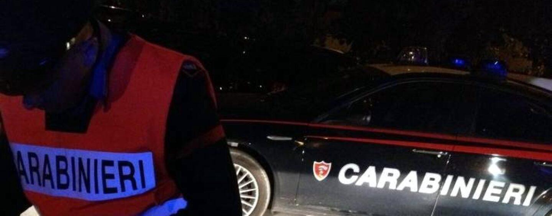 Ofantina, ubriaco al volante provoca incidente con feriti: denuncia e ritiro patente