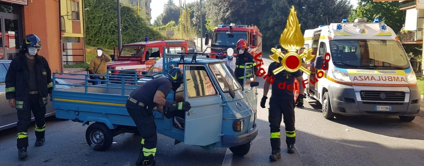 Incidente ad Avellino, Ape Car si ribalta: ferito il conducente
