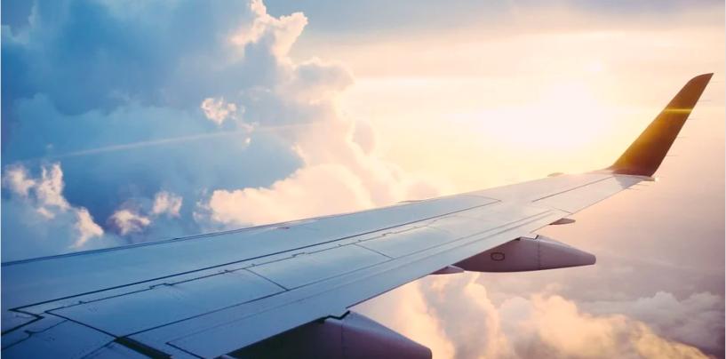 Disperso Boeing 737 con 50 persone a bordo: ricerche in corso