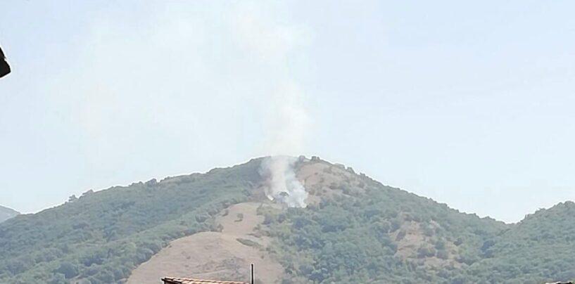"""L'Irpinia continua a bruciare, fiamme sul Cervaro spente dopo 8 ore. Oggi """"tocca"""" a Chiusano"""