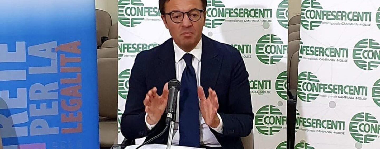 """Confesercenti Campania:""""Il 52% delle aziende resteranno aperte a Ferragosto"""""""