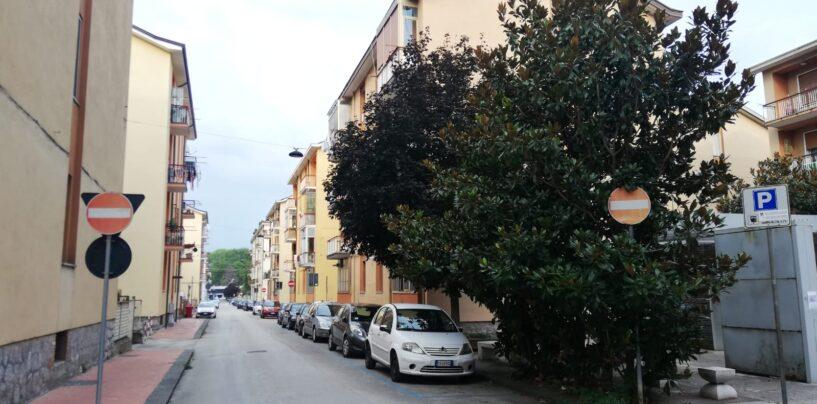 Tentativi di furto d'auto vicino la clinica Malzoni, scatta l'allarme dei residenti