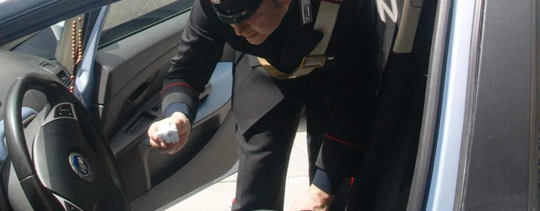 San Martino Valle Caudina, 30enne alla guida di un'auto con 5 grammi di coca: denunciato per spaccio