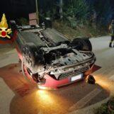 Bonito, impatto sulla provinciale: auto si ribalta