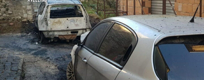 Volturara Irpina, due auto in fiamme all'alba
