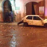VIDEO / Monteforte Irpino: la lunga notte di lavoro per liberare il paese dal fango