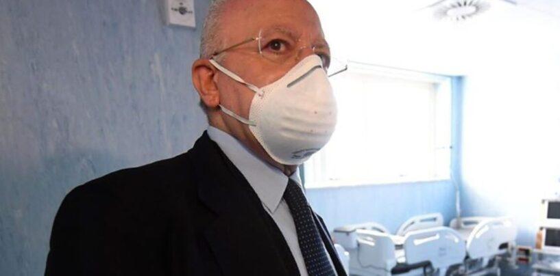 De Luca, prima ordinanza da neo-Governatore: mascherine obbligatorie all'aperto
