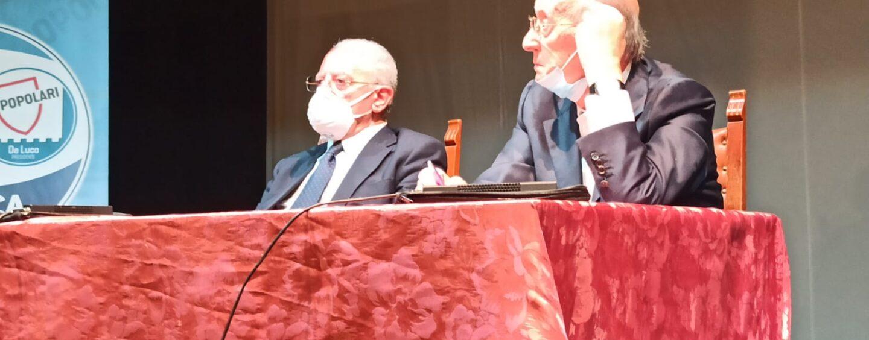 """FOTO /  A Cesinali il solito Governatore, snobba i giornalisti e fa annunci roboanti: """"La Campania sarà la prima regione d'Italia"""""""