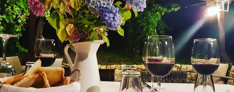 """Storie di Cucina, vino e vigne: """"La vera cucina irpina incontra i migliori Taurasi"""""""
