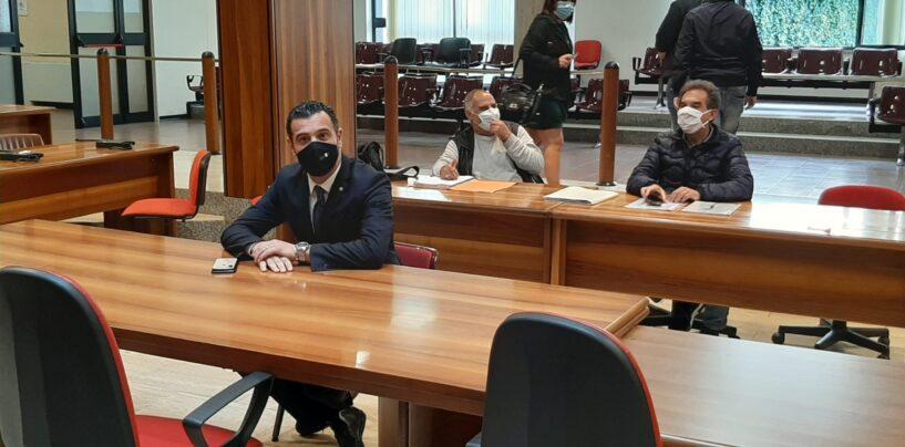 """Avellino, Ugo Maggio resta presidente del consiglio comunale. """"Non mi dimetto, la maggioranza è con me. Almeno così sembra…"""""""