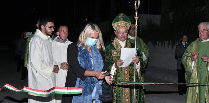 """Parco Palatucci, il Vescovo inaugura e benedice la fontana """"in memoria dei caduti e dei reduci della guerra Covid-19"""""""