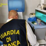 VIDEO/ Ambulatorio abusivo a Pianura: denunciato un falso dentista