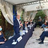 Il Pd verso il congresso – Si allarga la platea e Cennamo si dimette: l'esultanza di Petitto bacchettato dalla Santaniello