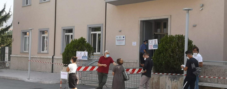 FOTO / Politici e candidati, chi sta andando alle urne in Irpinia
