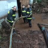 FOTO / Allagamenti, alberi e rami caduti. Maltempo, più di 60 interventi in Irpinia per i vigili del fuoco