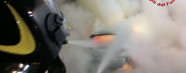Auto in fiamme a Gesualdo: l'incendio è di natura dolosa