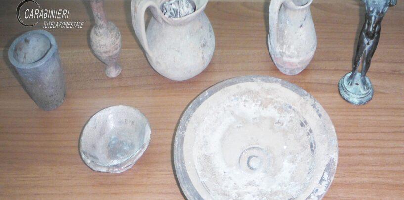 Lacedonia: in casa con anfore e piatti dell'epoca romana, 55enne nei guai